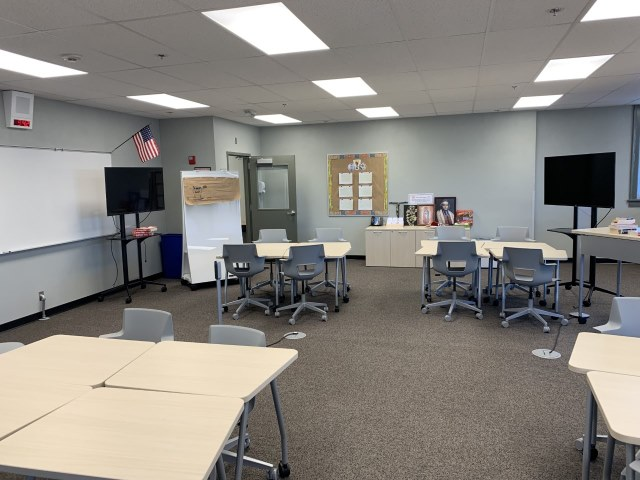 Active Classrooms Bring New Learning to Chaminade Hall