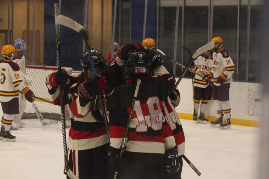 CCP+Hockey+Falls+to+DeSmet+5-3